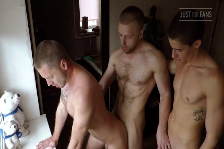 Bareback Threesome - Mars, Kostya, Tim Geen