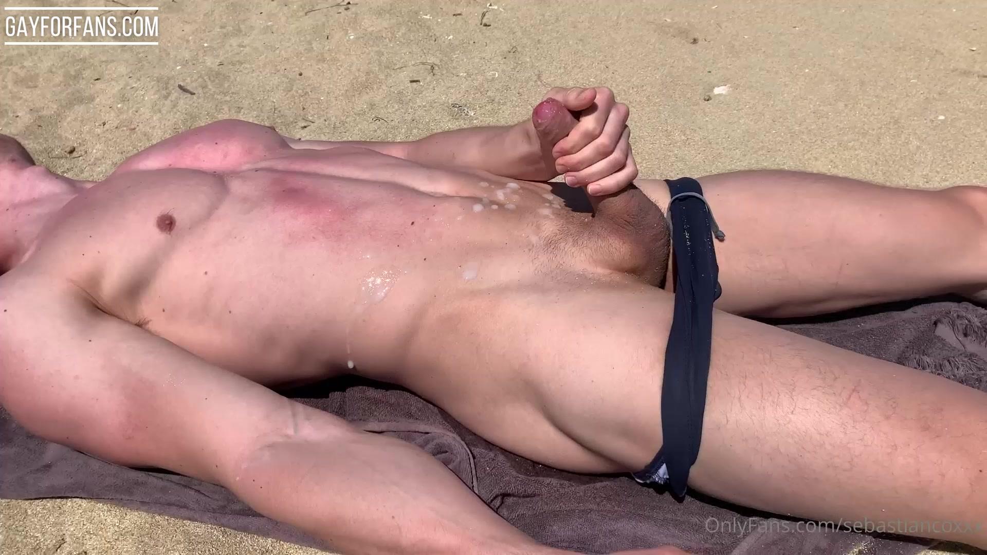 SebastianCoxxx jerking off at the beach