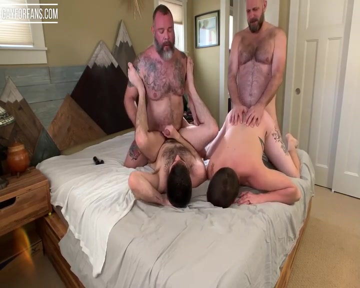 Seattle Dad and his Boys - Orgy - realmenfullbush