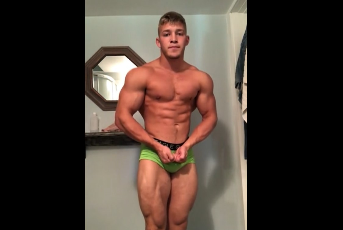 Flexing And Jerking My Cock - BigMuscleGod8