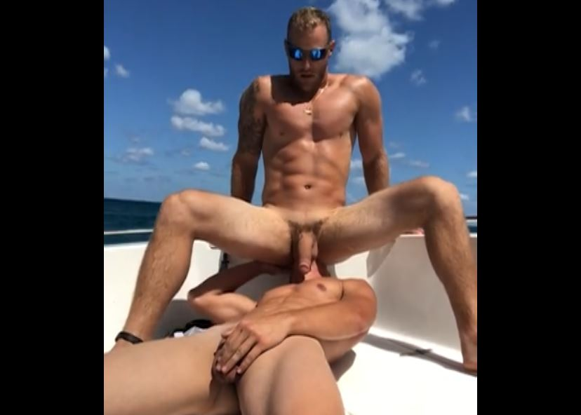 Eating my boyfriends ass and sucking his cock till he cums - SaltyBoysXXX