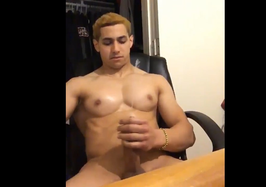 Young muscle hunk Sayanozzy shooting a big load