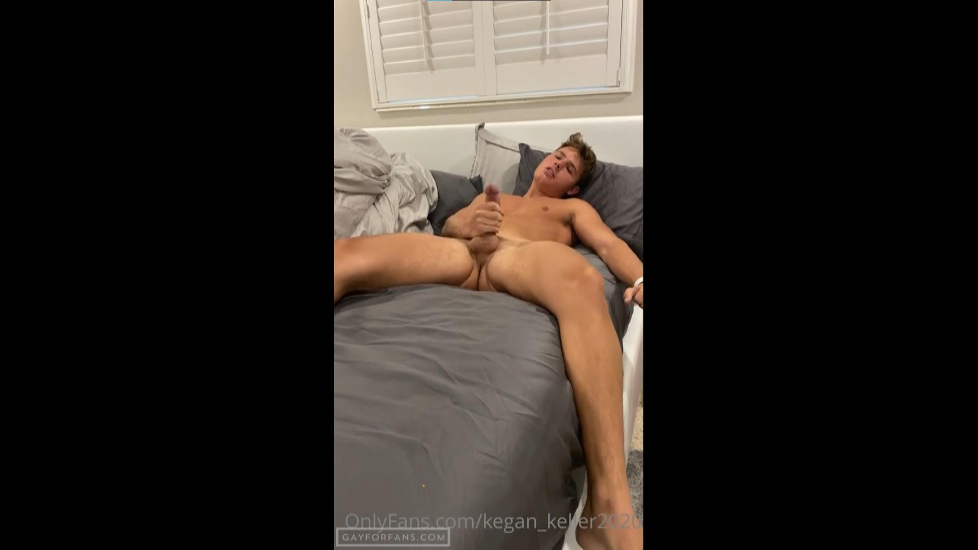 Jerking And Cumming To Porn - kegan_keller2020