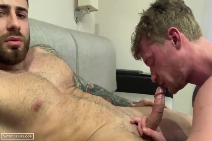 Sucking hot muscle cock - Grossasha