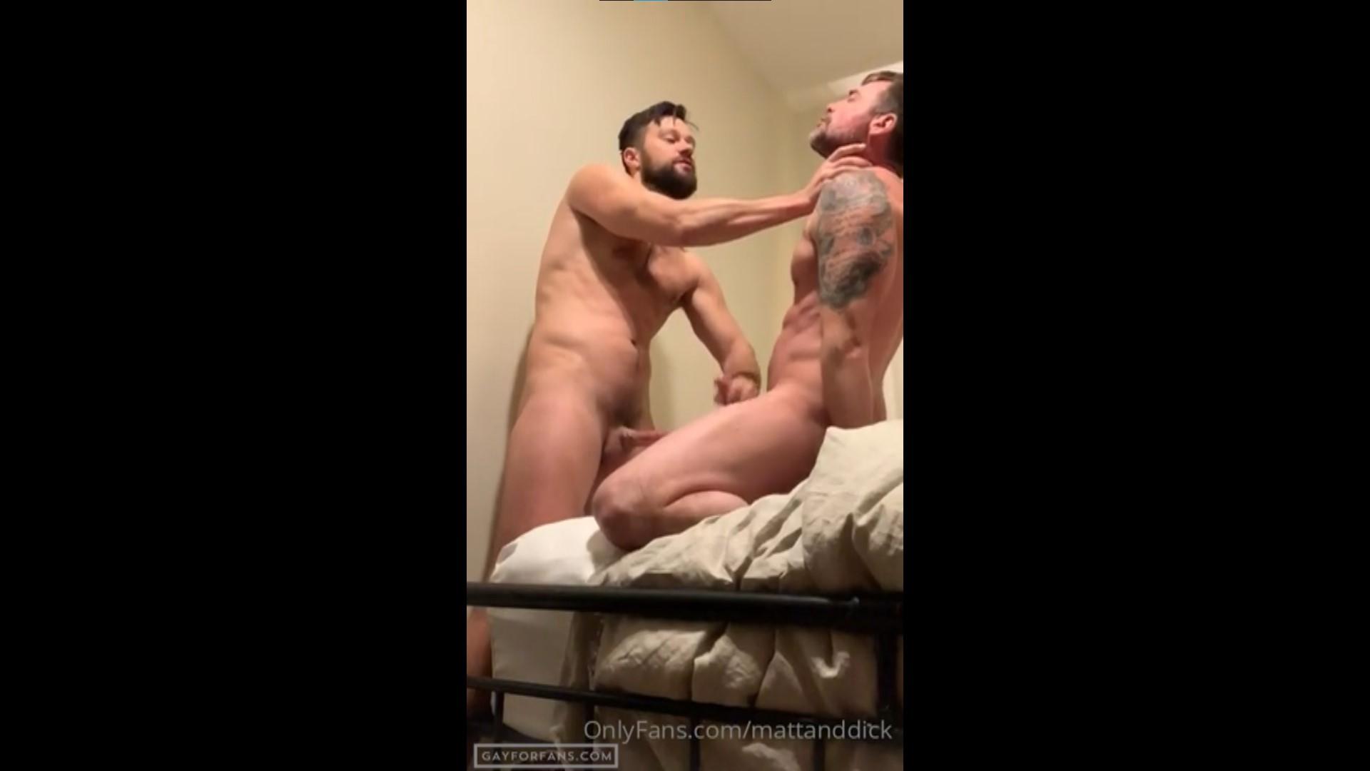 Boyfriend gives me a handjob - MattandDick