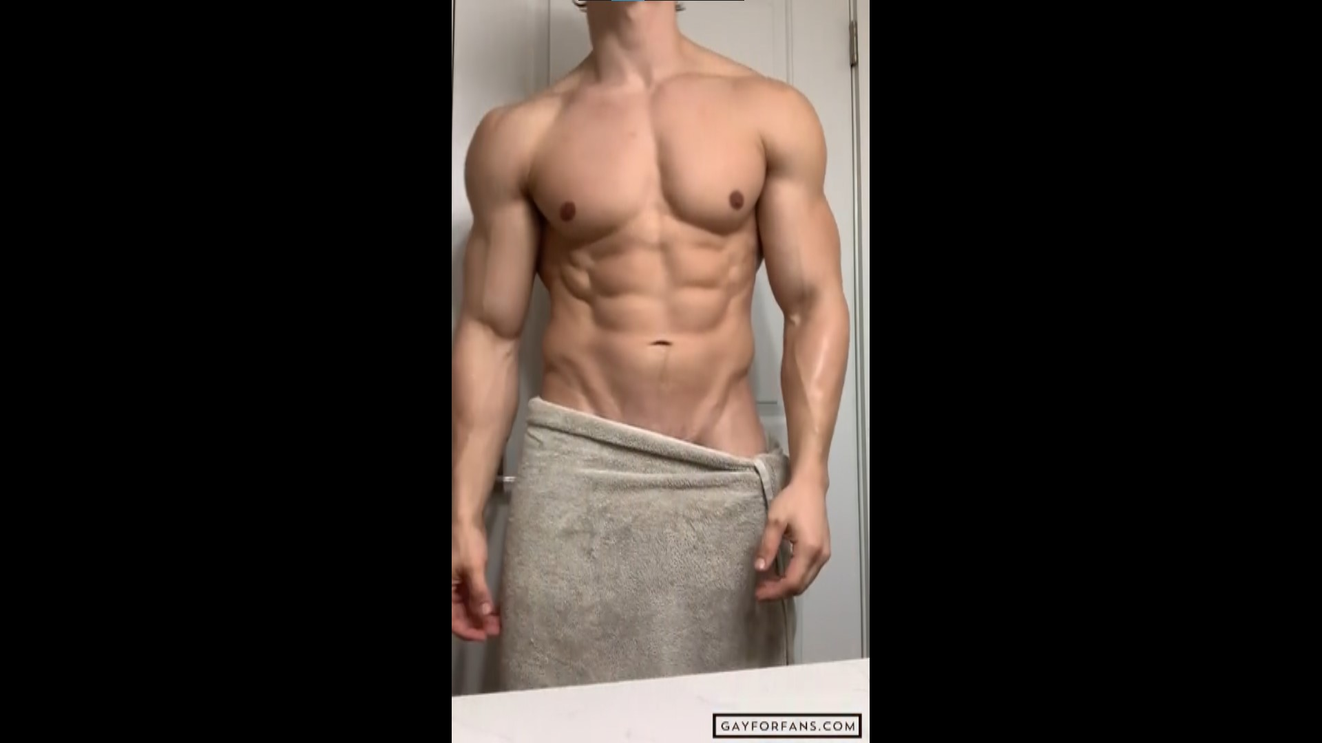Flexing hard after a shower - ShreddedC