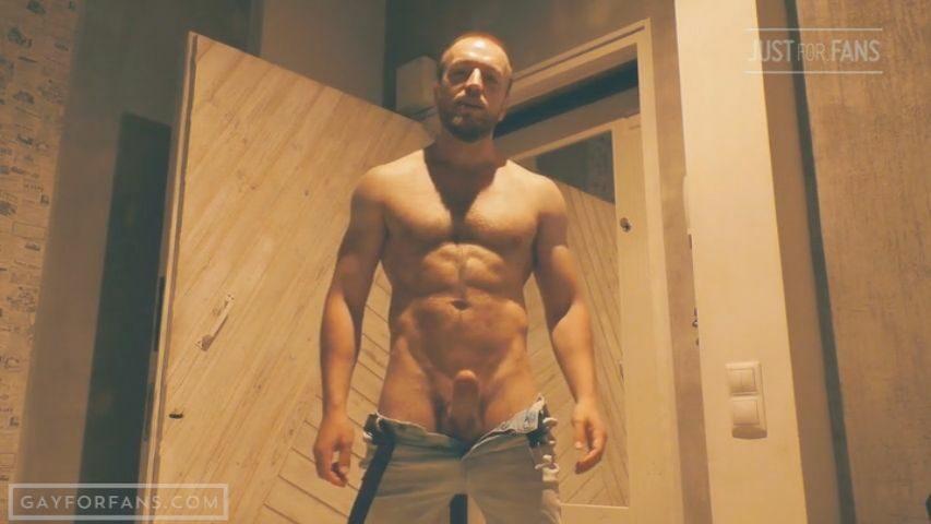 Jerking off in the sauna - Kostya Kazenny
