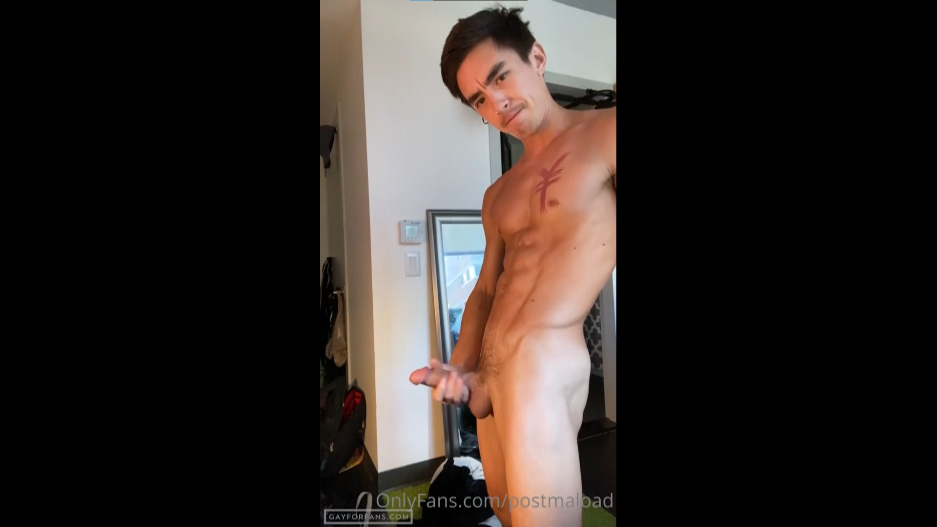 Shooting a load over my abs - Cody Seiya (postmaload)