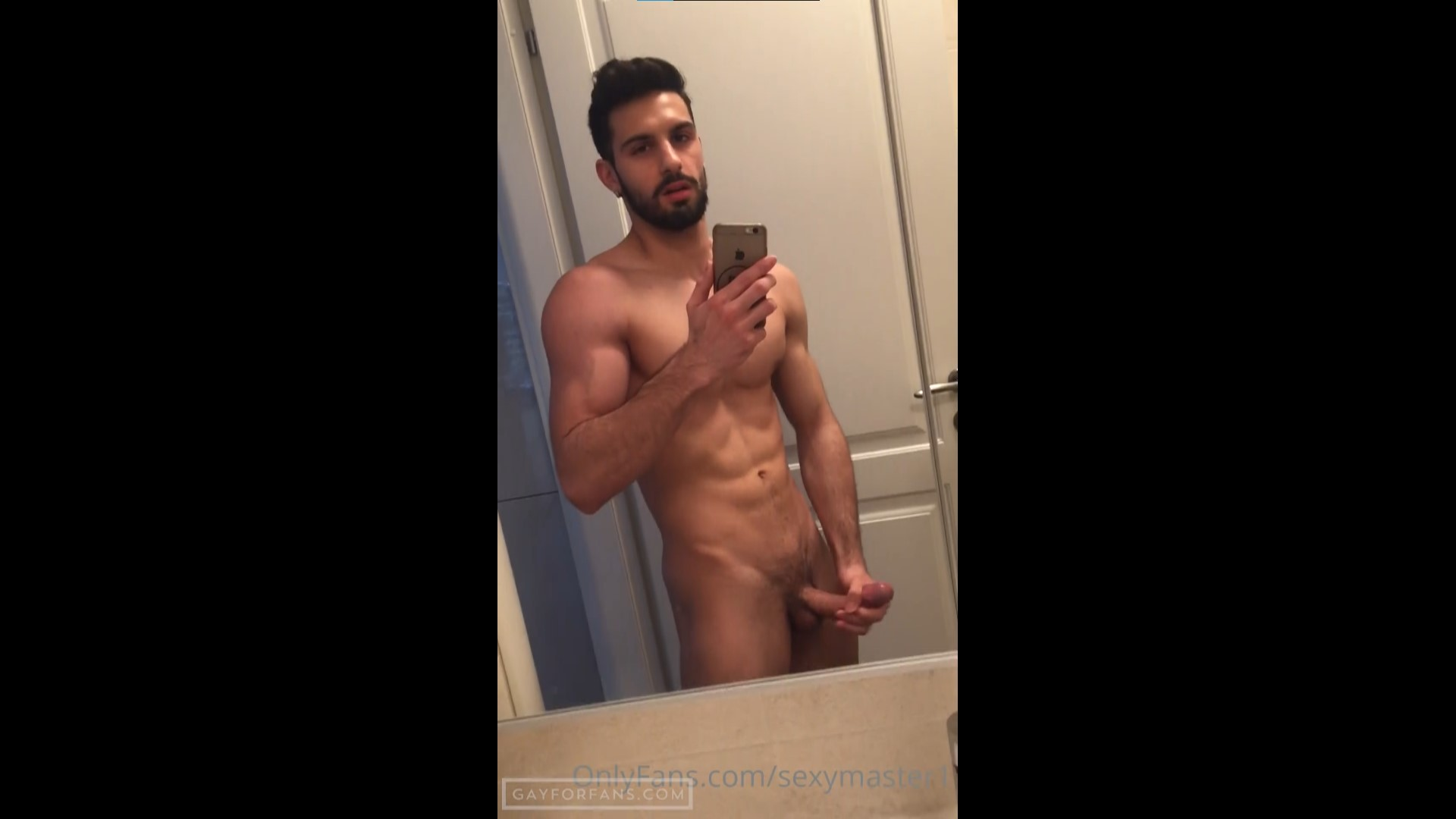 Jerking off and shooting a load into my hand - Katoptris
