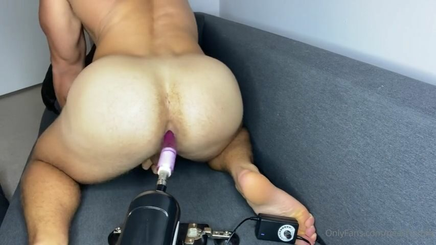 Fucking myself with a fucking machine - Peachy Boy