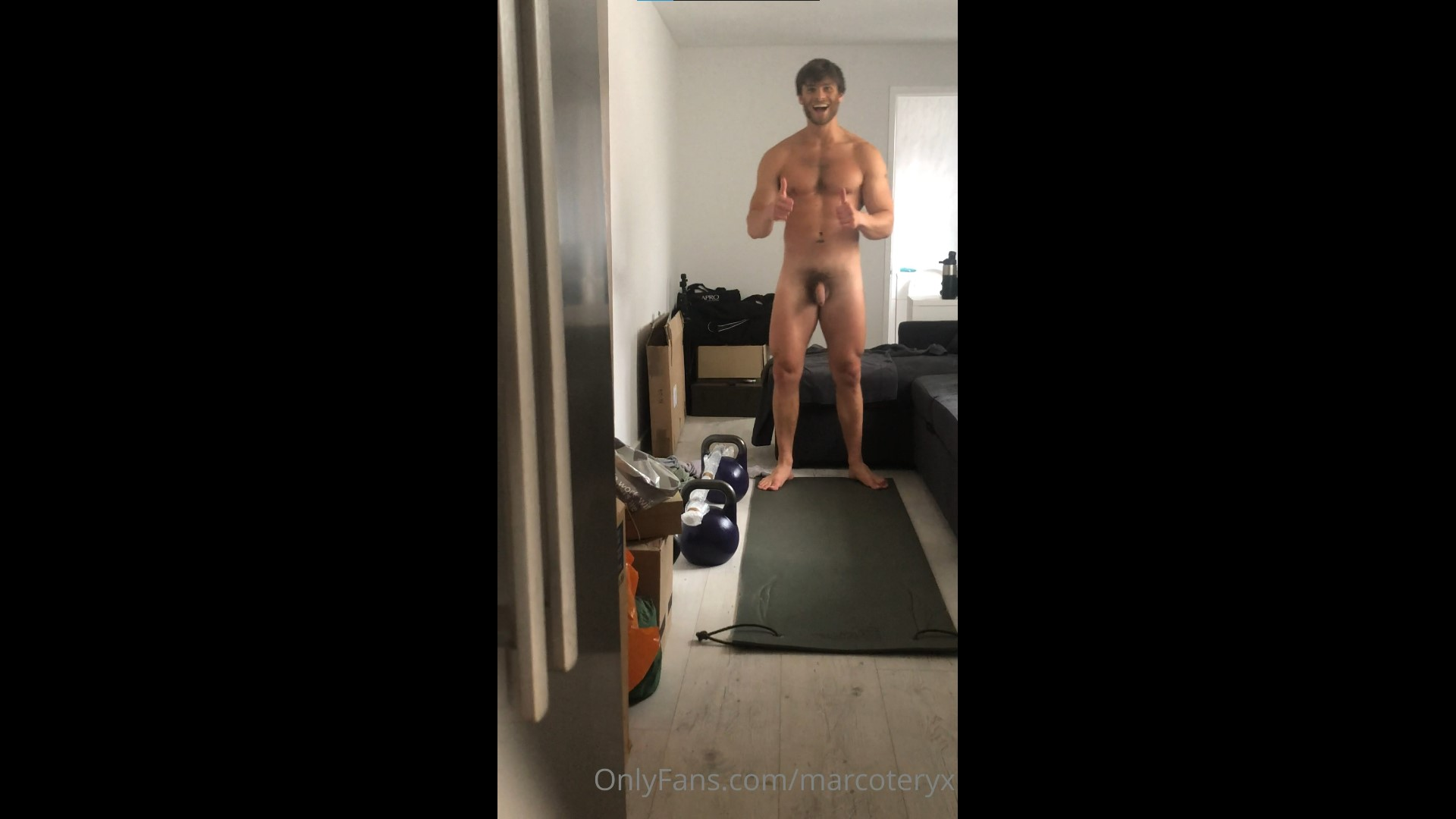 Working out nude - Marco D'Andrea (marcoteryx)