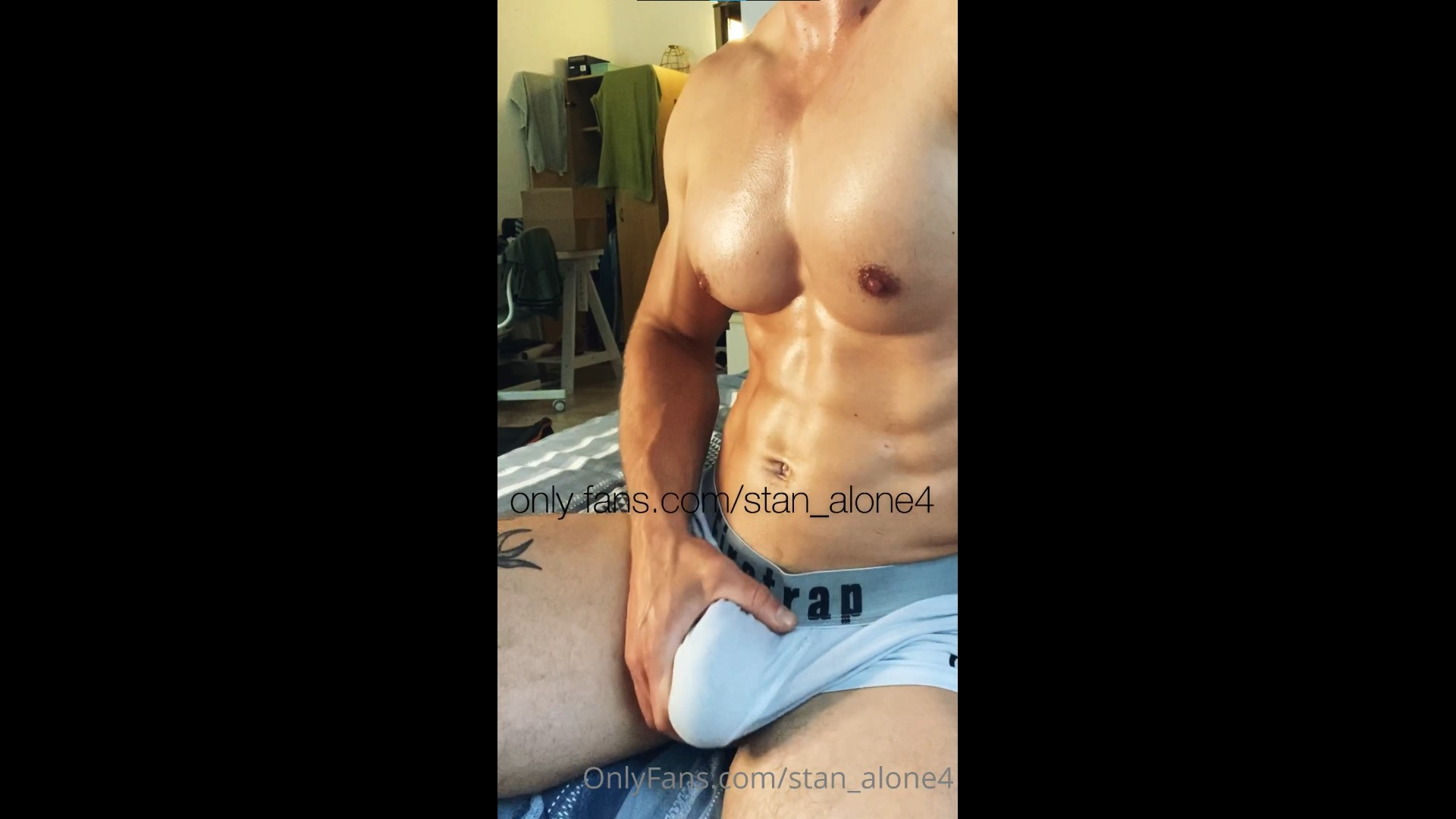 Jerking off and cumming over my hot sweaty body - Stan_alone4