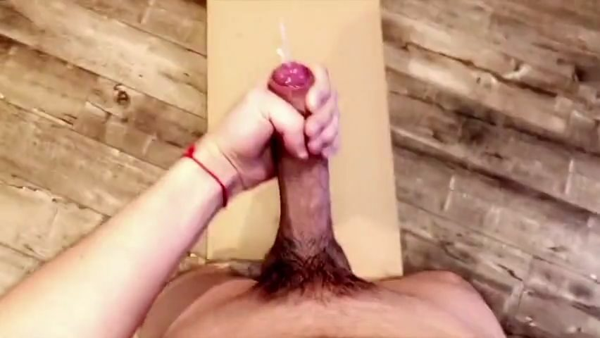 Jerking off and seeing how far I can shoot my load - Diego Leverkusen