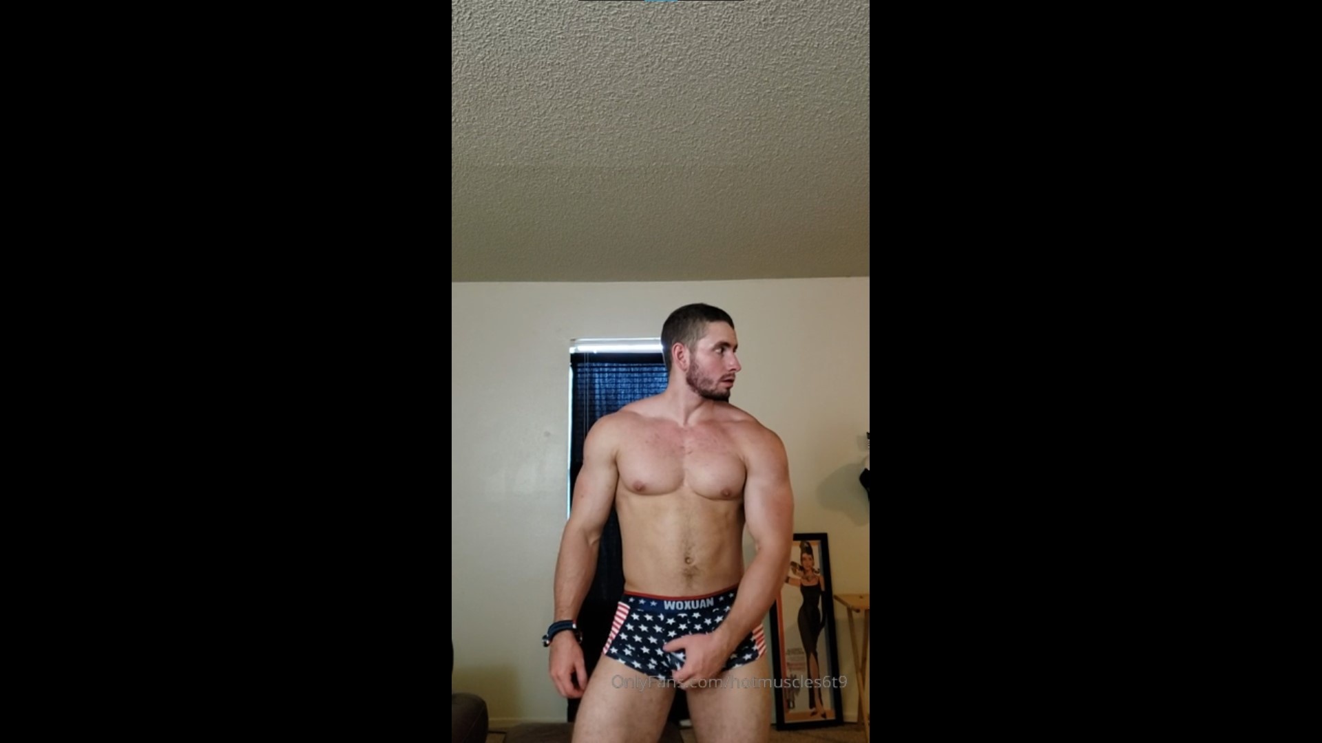 Flexing in my underwear - Hotmuscles6t9