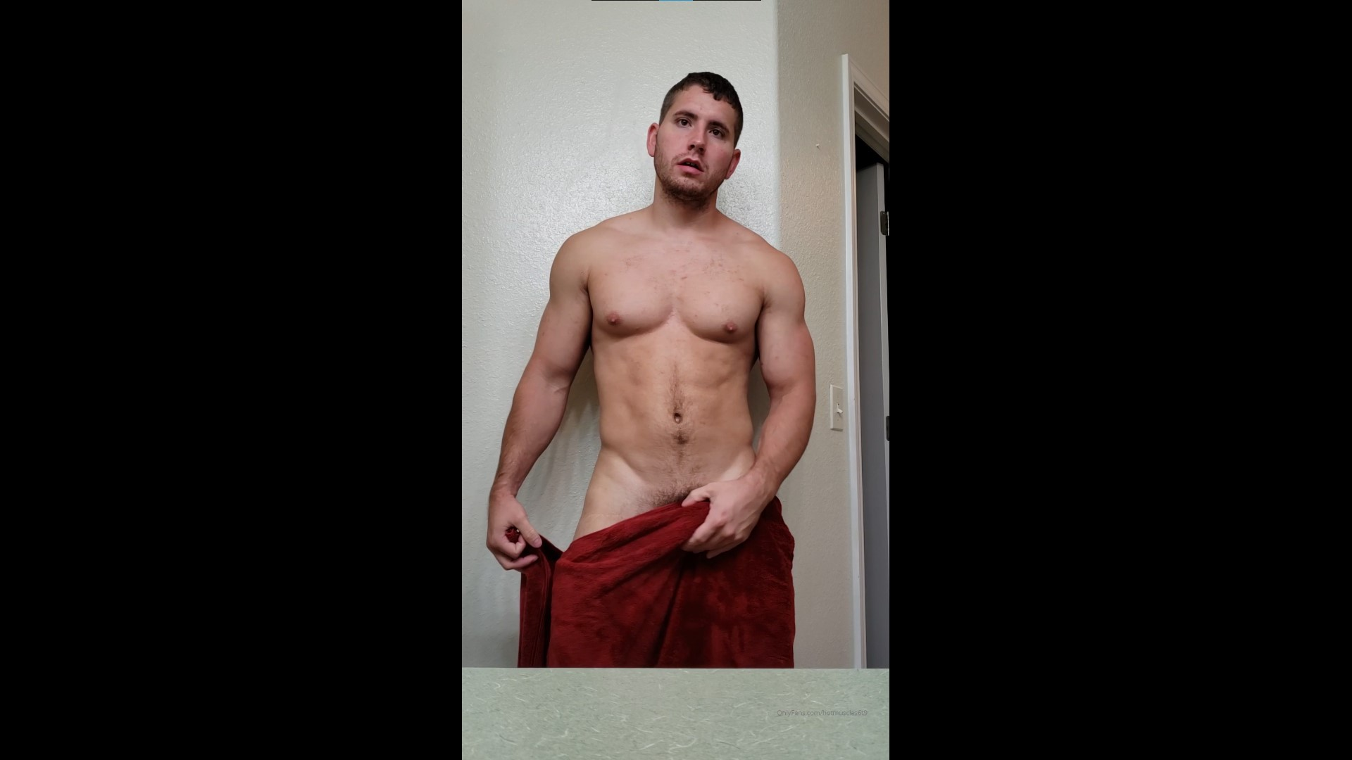 Showing off my muscles and cock after a shower - Hotmuscles6t9