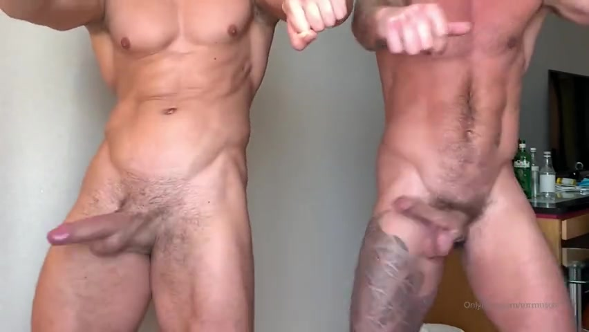 Shaking my dick with a mate - MrMuscle