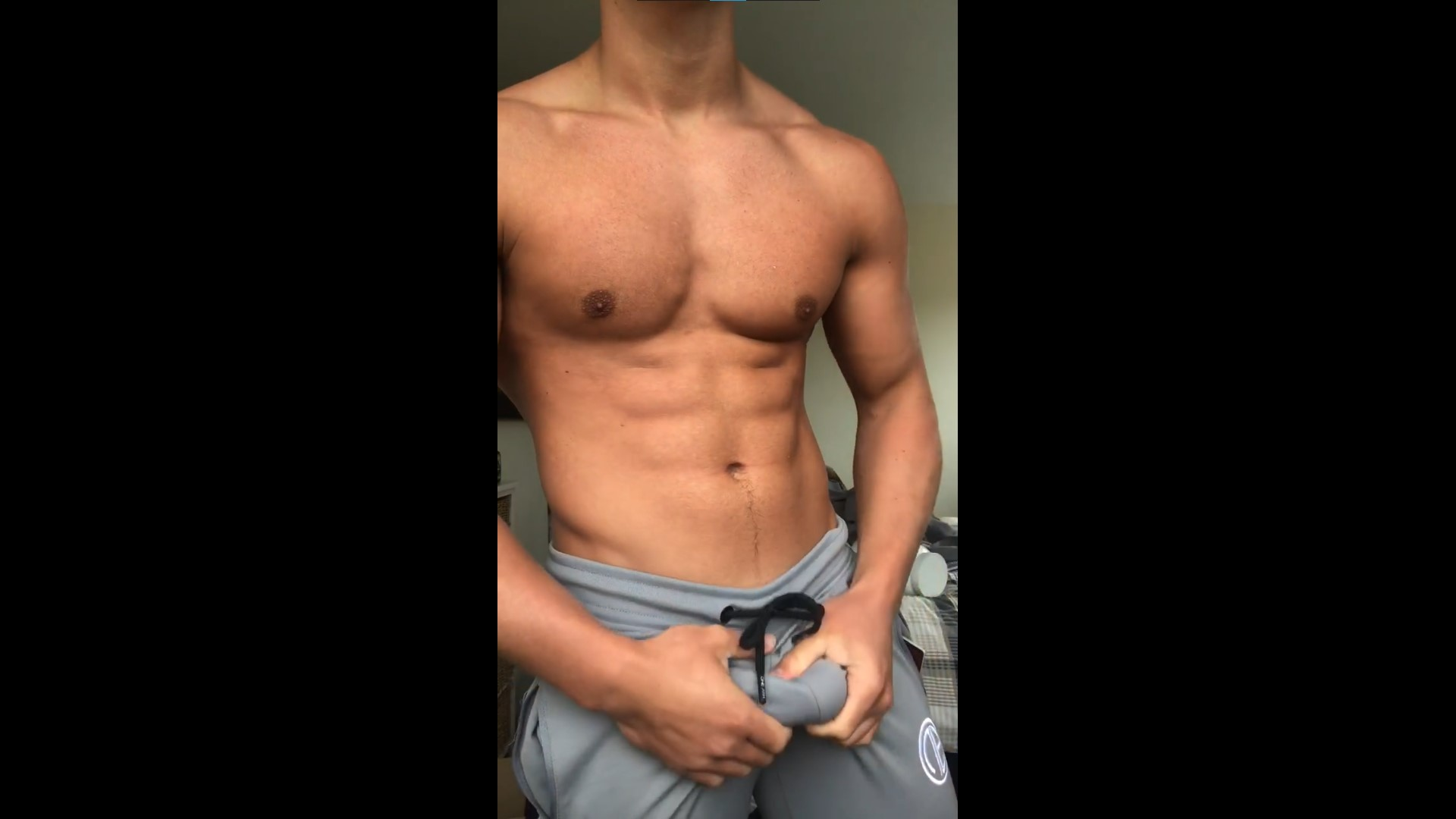 Showing off my body and feeling my cock - RippedMaxim