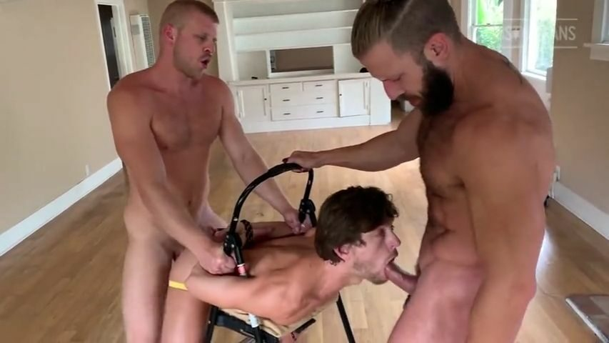 Austin Avery, Logan Stevens & Morgxn Thicke have a threesome