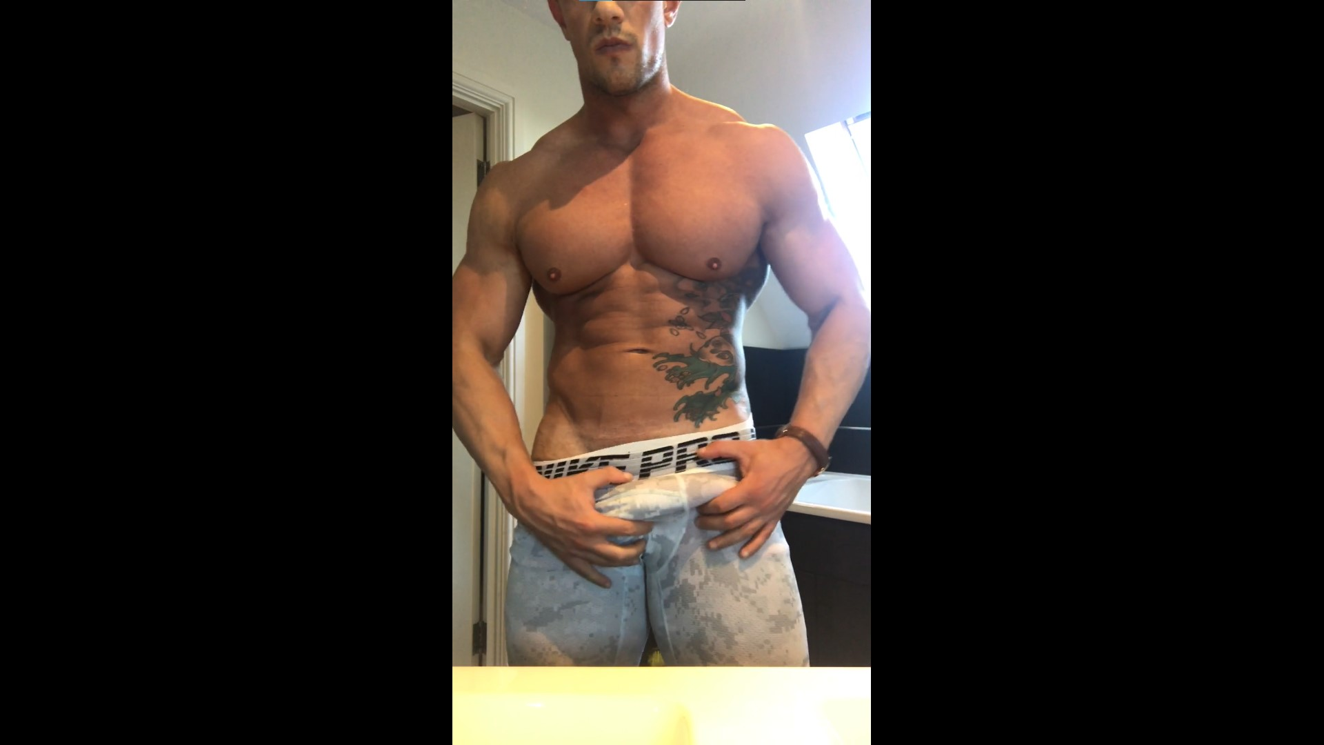 Showing off my muscles in my underwear - Charlie London