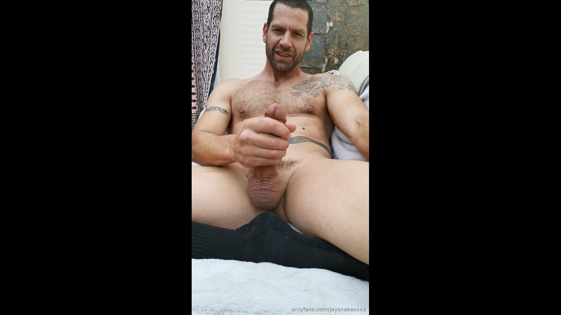 Jerking off and cumming over myself - Jay Snake
