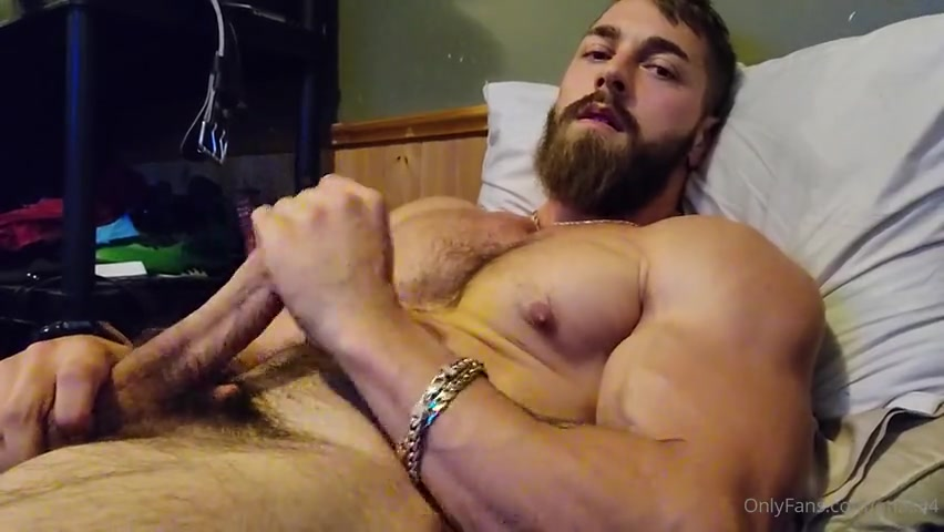 Quick late night jerk off and shooting a load over myself - atlas34
