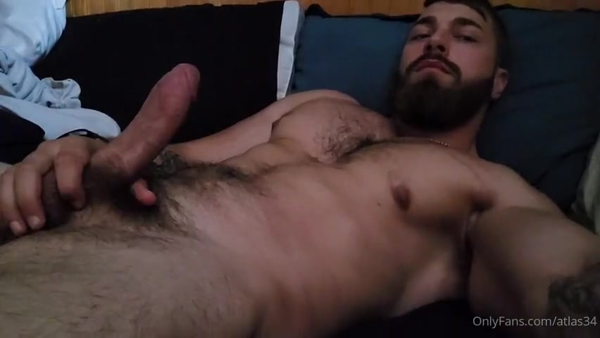 Jerking off and cumming over my hairy body - atlas34