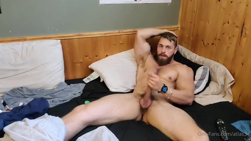 Jerking off after gym and cumming over my abs - atlas34