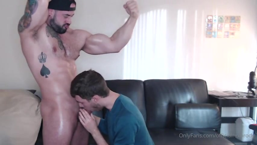 Young twink worships my body and sucks my cock - Rex Brody (officialrexbrody)