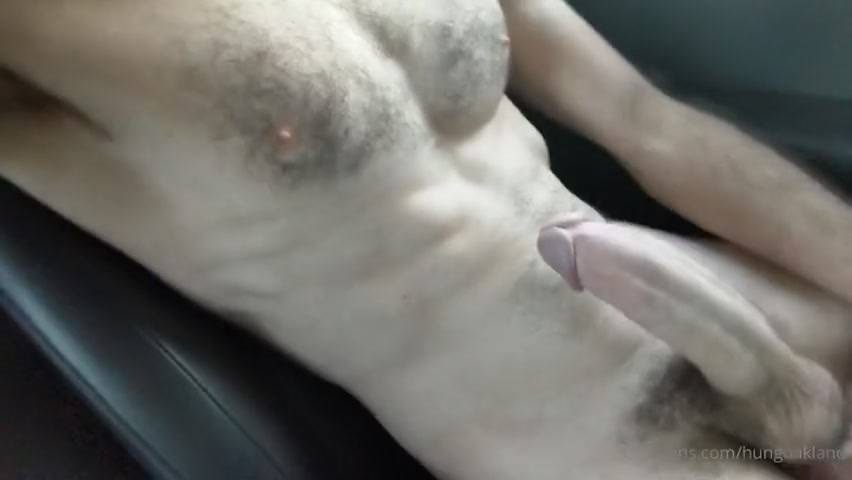 Jerking off in the car and cumming over myself - Hungoakland