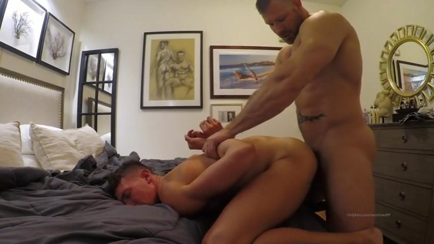 Austin Wolf fucks and throat fucks dvsjmss