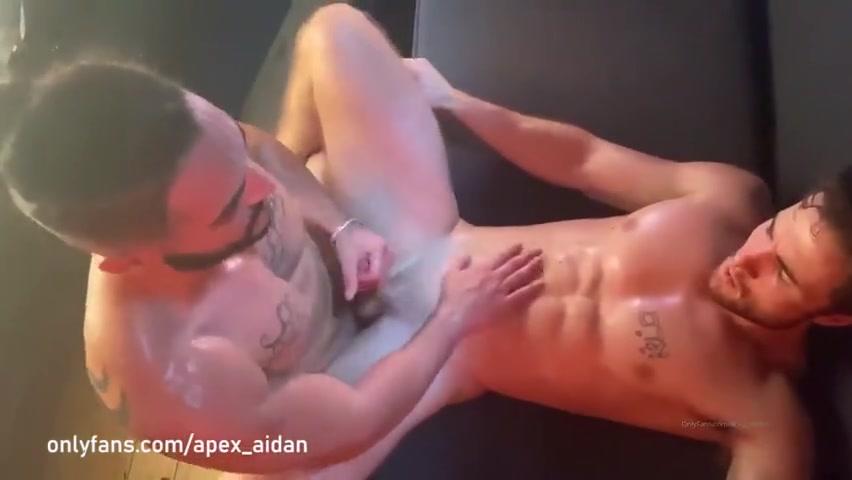 Iggy Lopez fucks Apex Aidan
