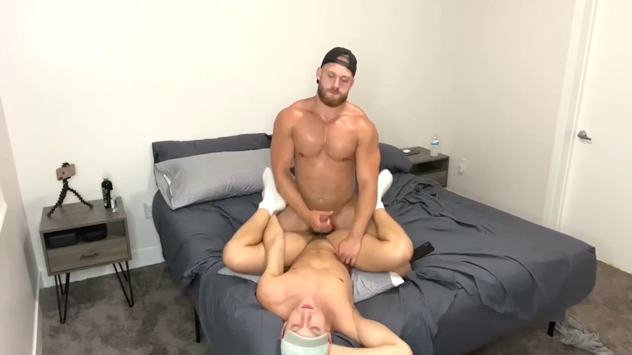 Brogan NYC fucks Austin Avery