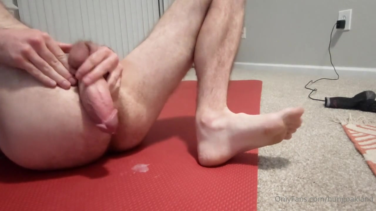 My latest attempt at self fucking and cumming in my ass - Hungoakland