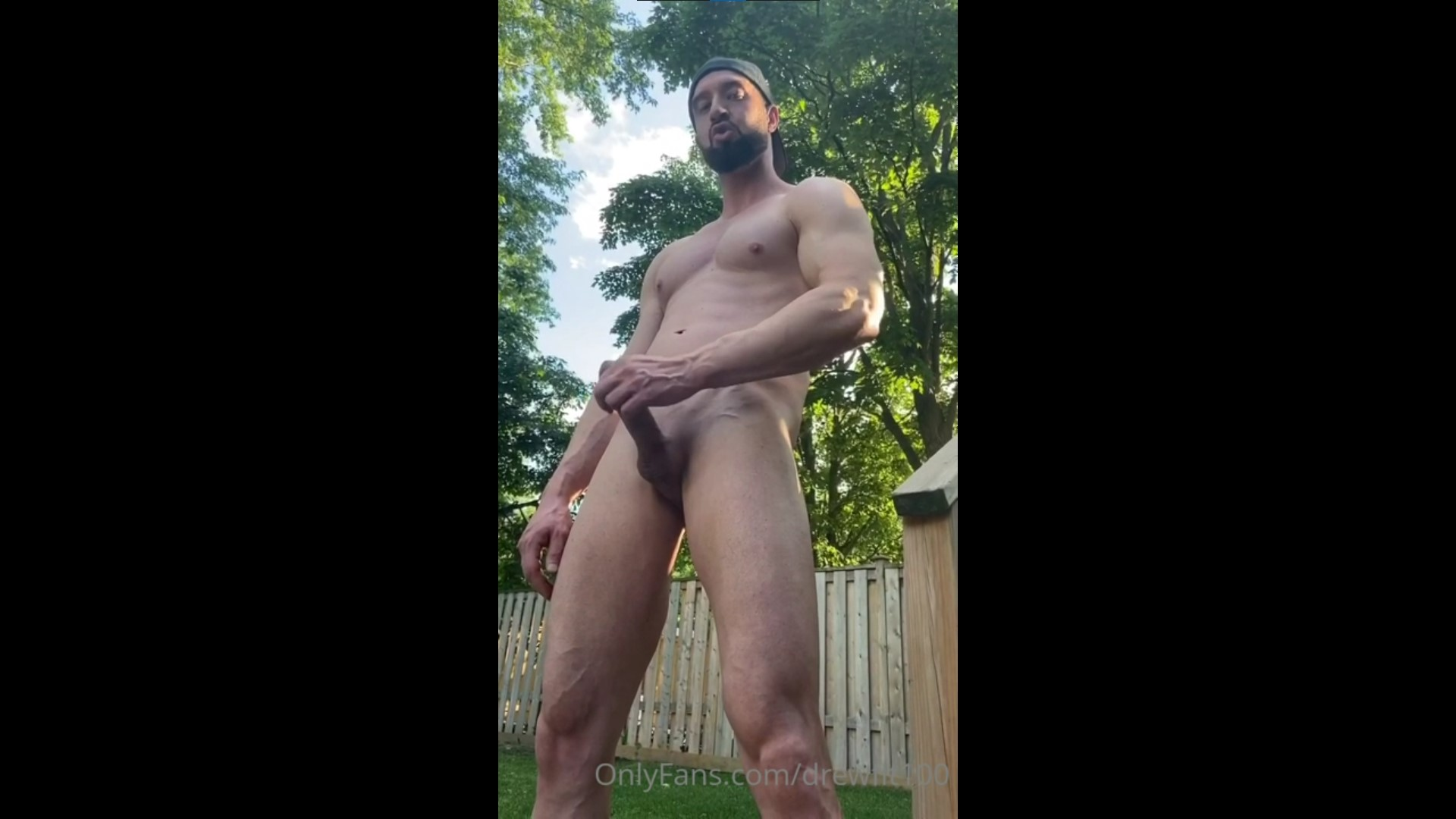 Jerking off outside and shooting a big load - DrewFit100