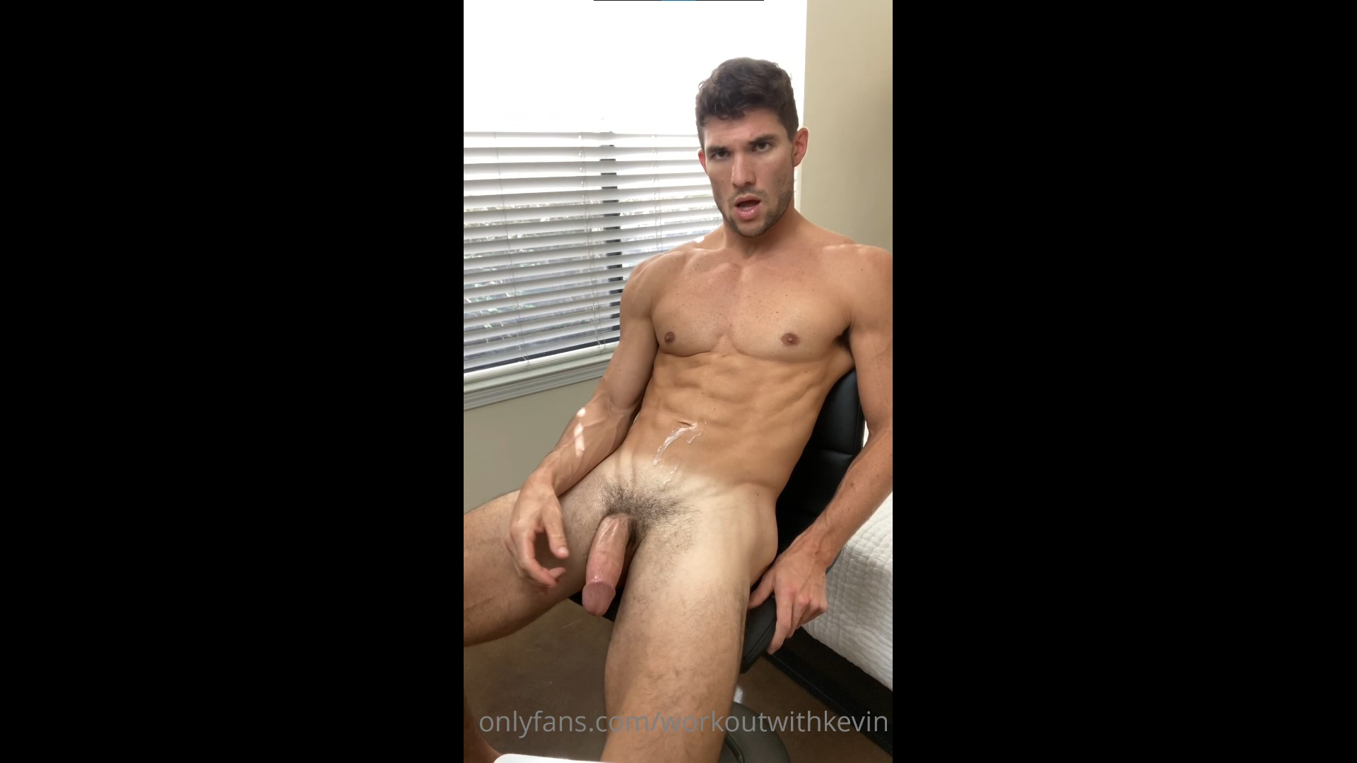 Jerking off and cumming over myself - Kevin Cook (WorkoutwithKevin)