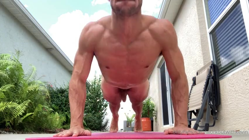 Doing squats and push ups naked - Kevin Cook (WorkoutwithKevin)