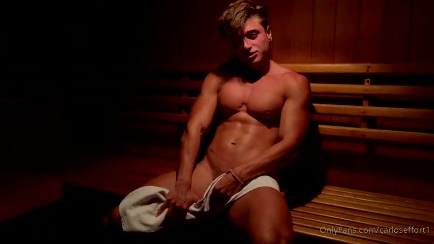 Jerking off in the sauna - Carlos Effort