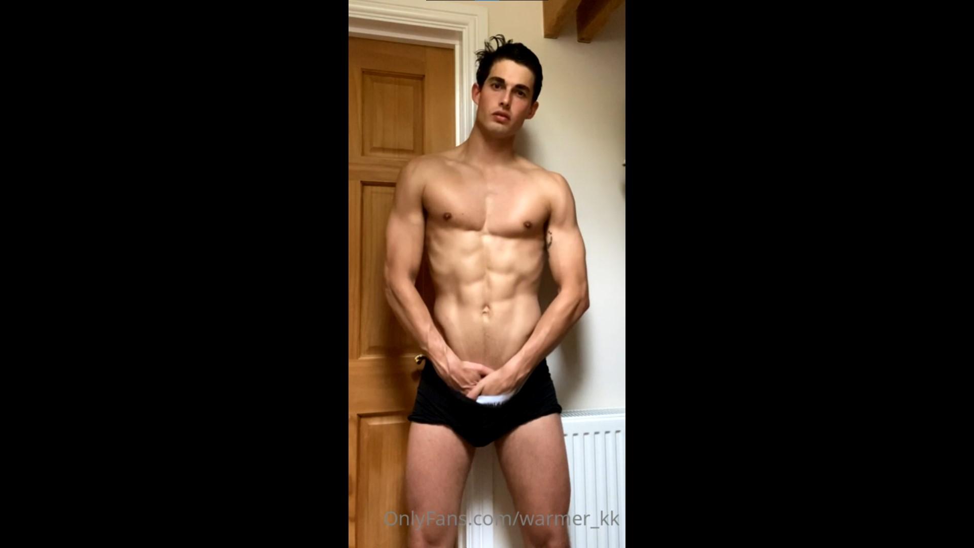Showing off my body in my underwear - Kieran Warner (warmer_kk)