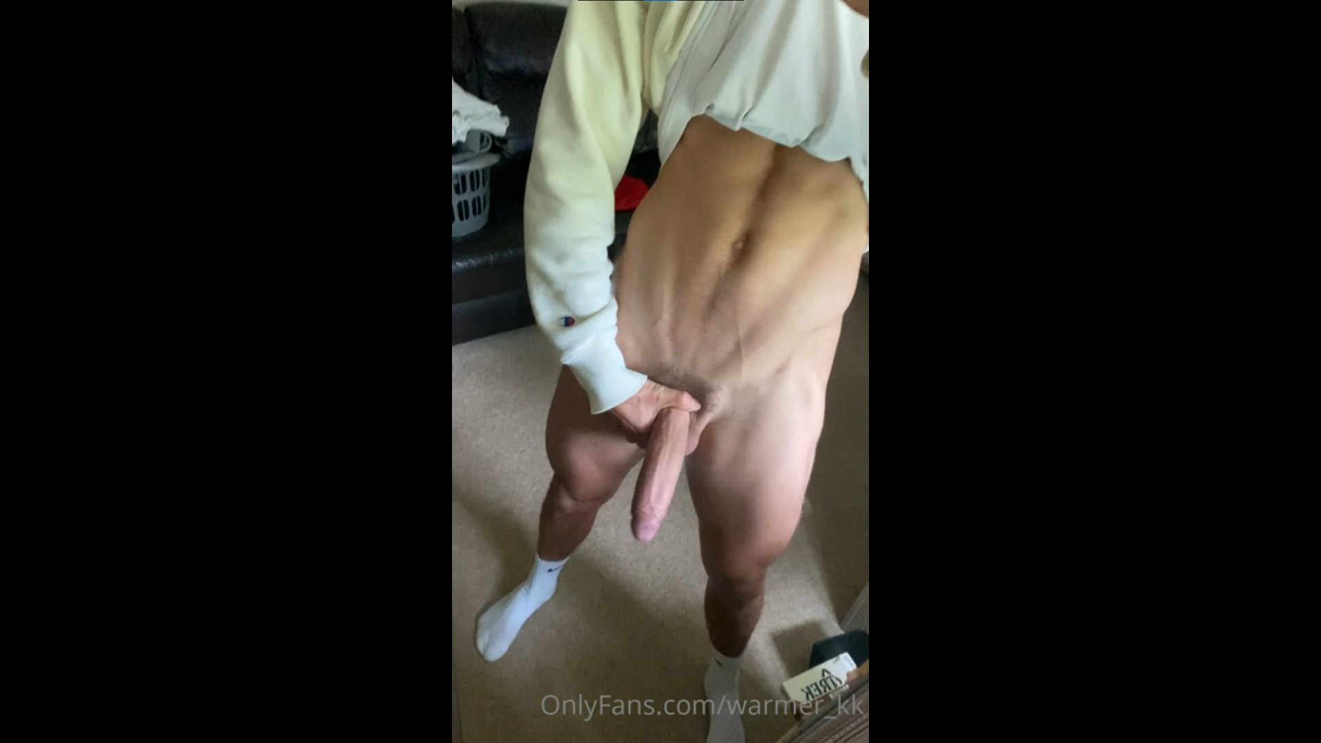 Showing off my big cock - Kieran Warner (warmer_kk)