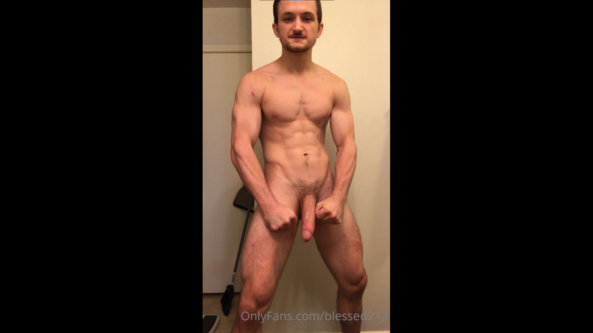 Jerking off hard while talking dirty - blessed213