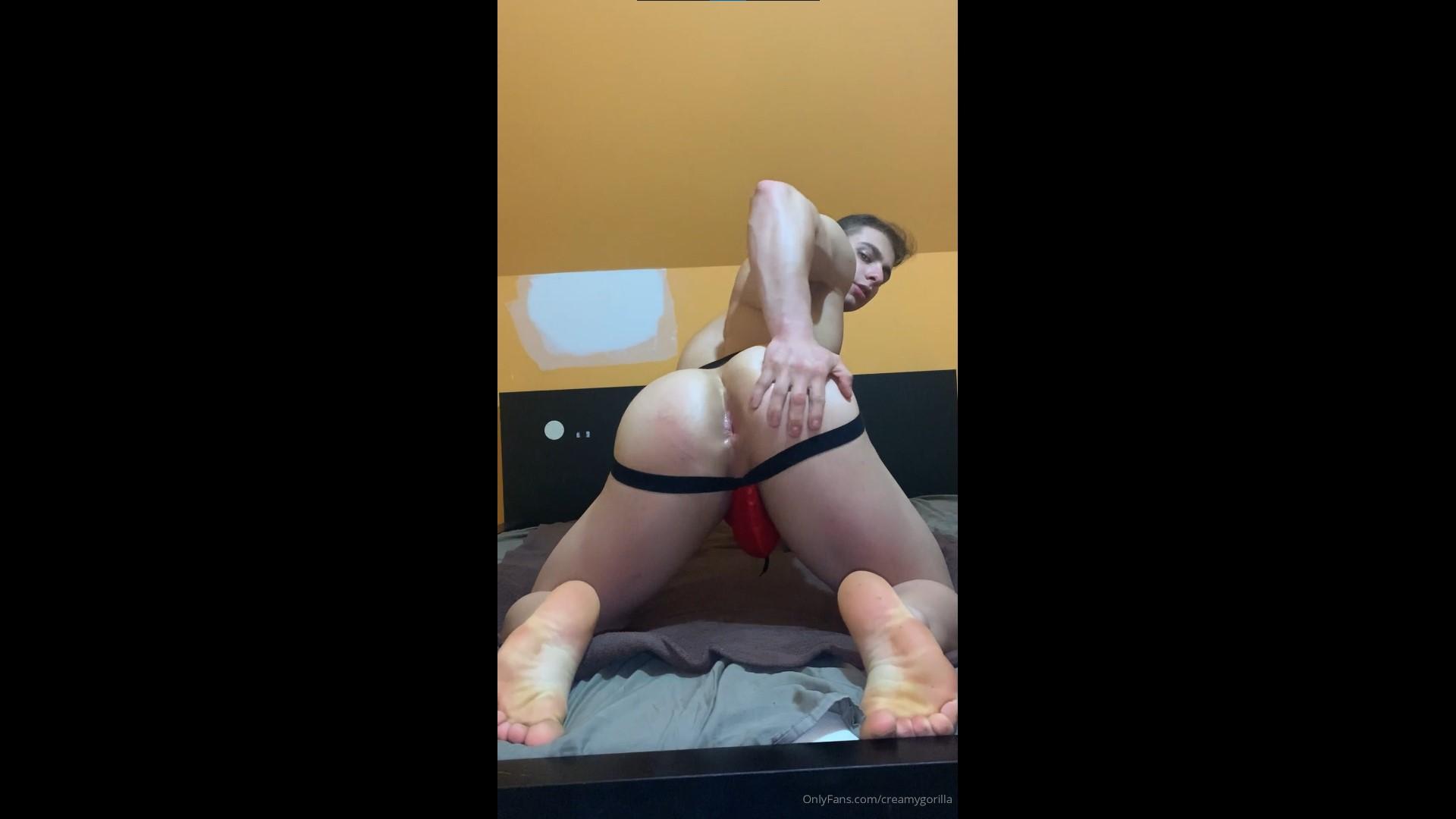 Fucking myself with a butt plug - CreamyGorilla