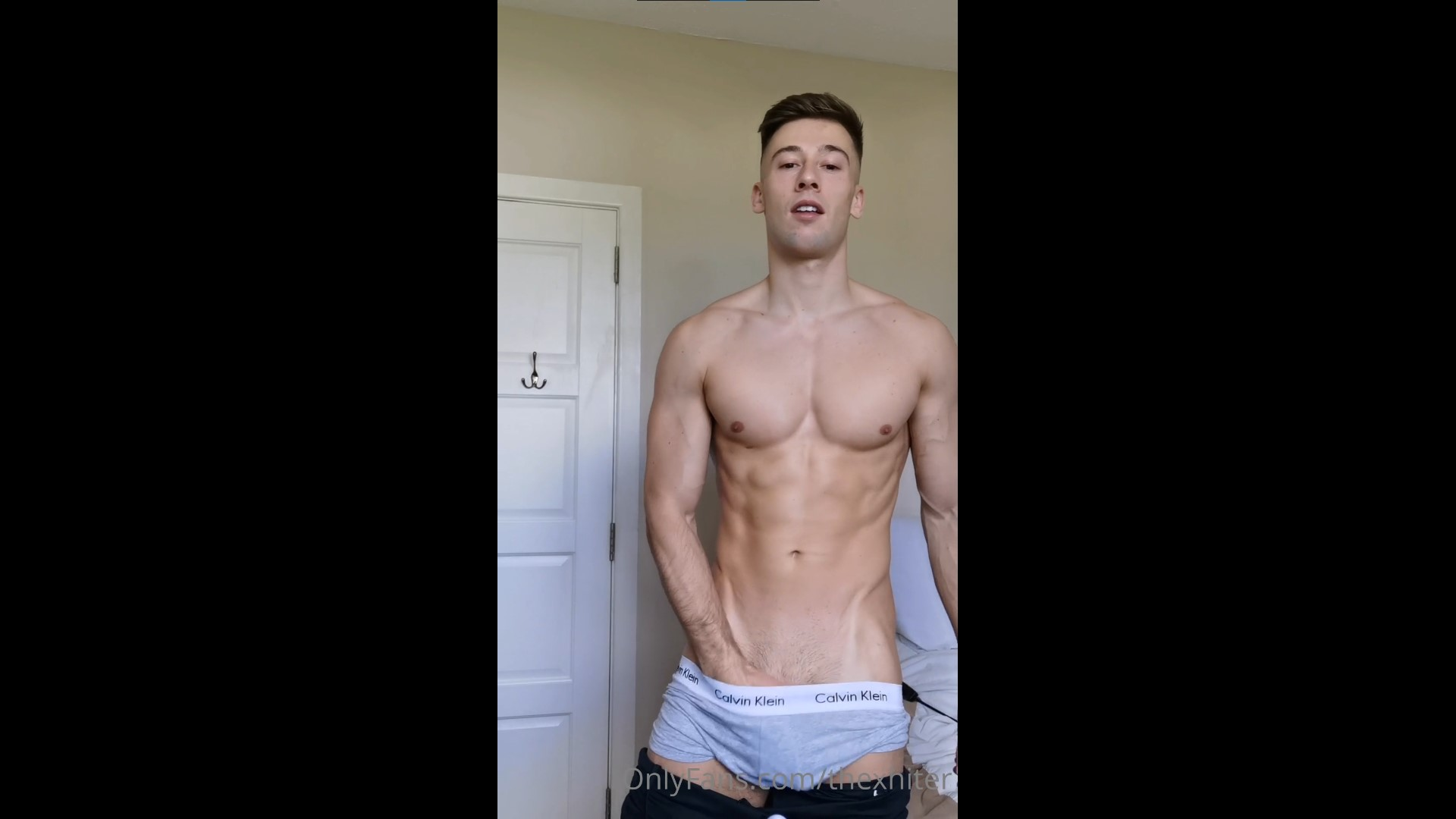 Showing off my body and jerking off - Irish-X
