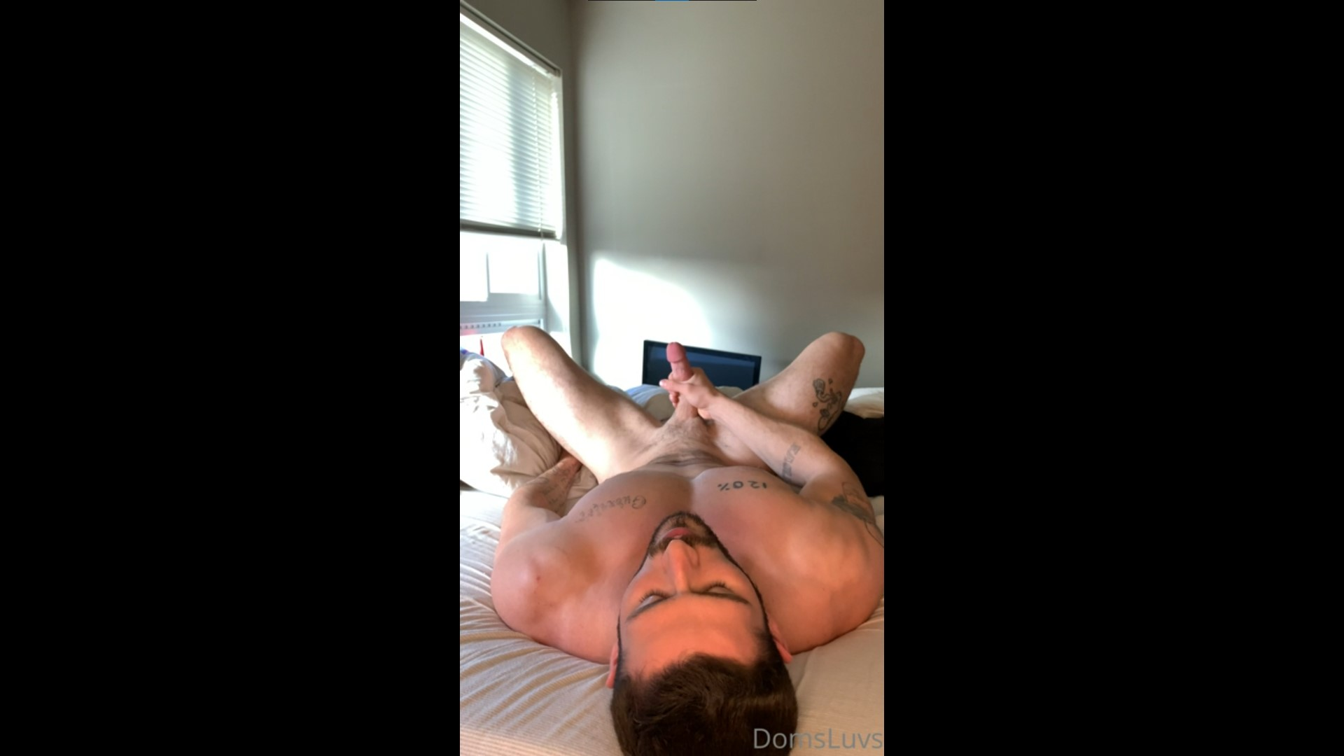 Quickly shooting a load over my body - domsluvz
