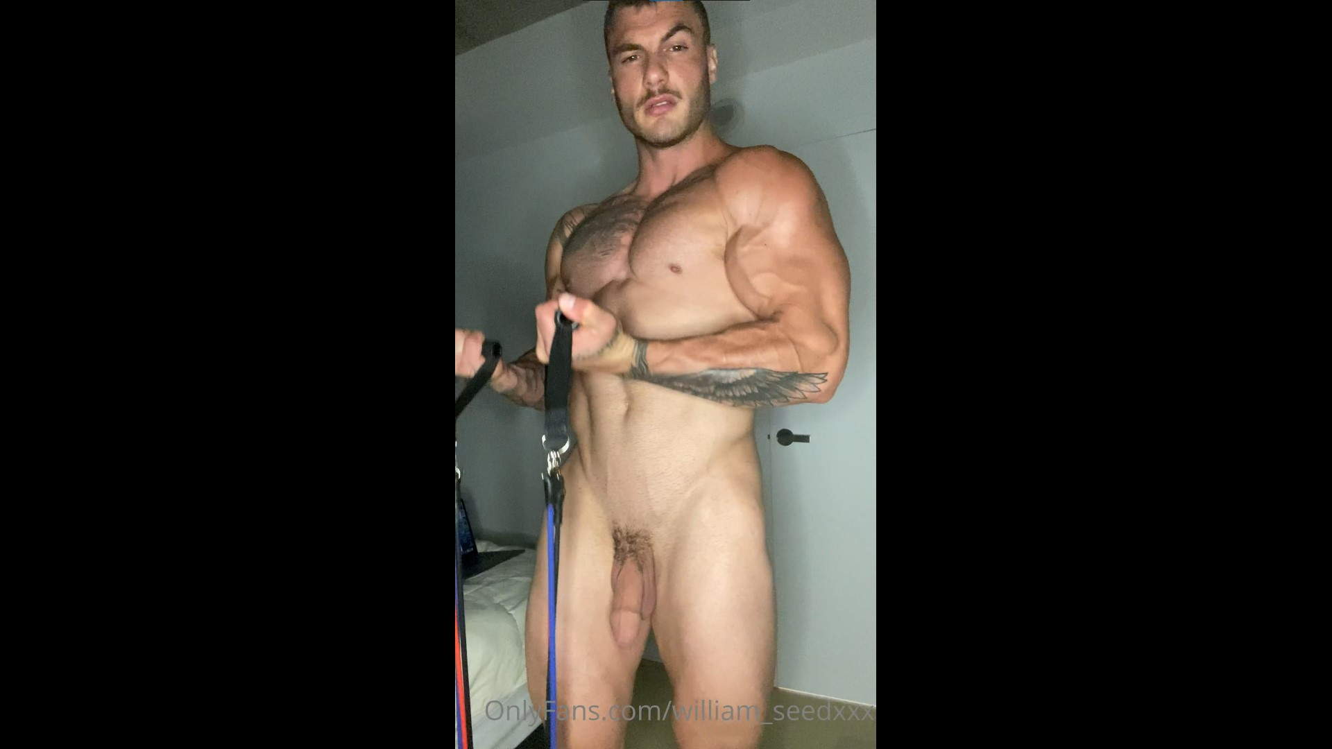 Working out nude and showing off my body - William Seed