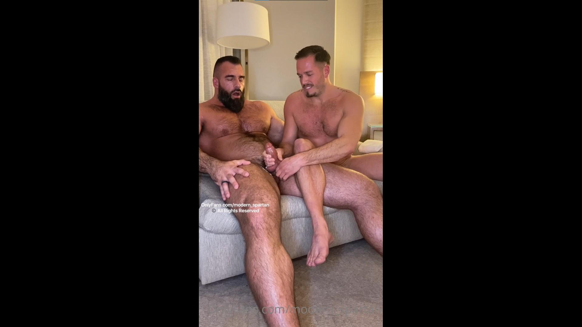 Max Richards (jerk_circus) gives Nick Pulos (modern_spartan) a handjob