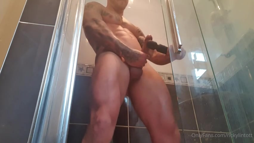 Playing with my sex toy in the shower and shooting a big load - Ricky Lintott (gonzobits)