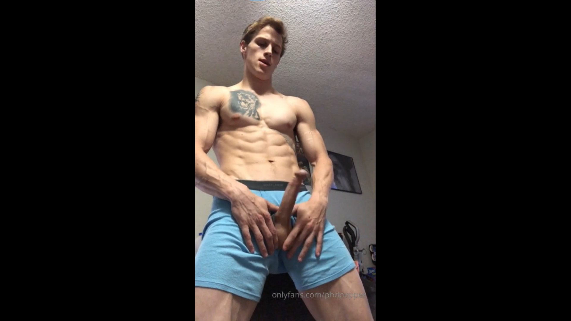 Jerking off and shooting a big load - Daniel Jensen (phdpepper)
