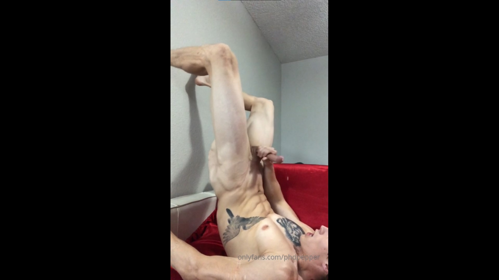 Jerking off and cumming over my face and chest – Daniel Jensen (phdpepper) – Gay for Fans – gayforfans.com