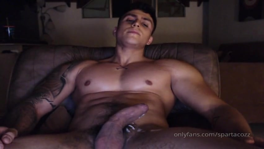 Late night jerk off and cumming over myself - Spartacozz