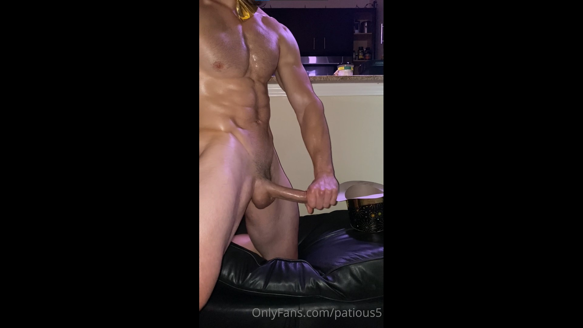 Jerking off after a party - patious5